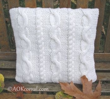 Cable Knit Pillow Pattern Free : KNITTED CABLED PILLOW PATTERNS Free Knitting and Crochet Patterns